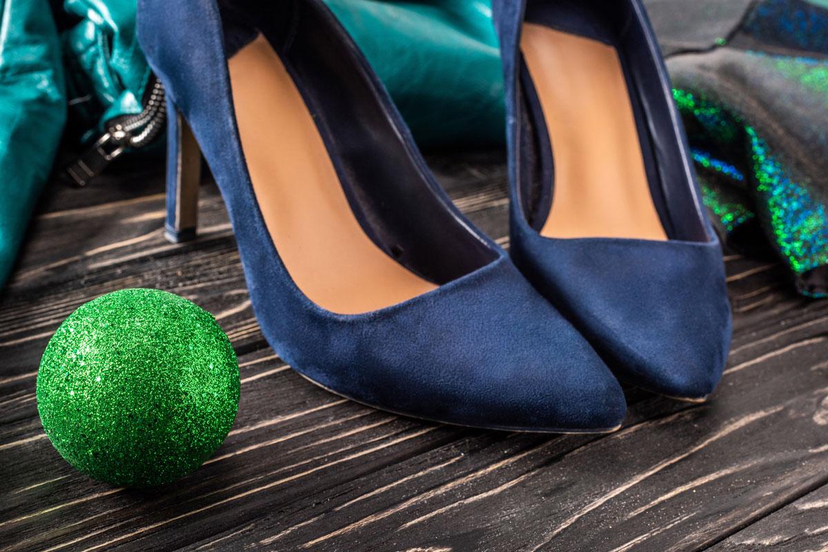Синие замшевые туфельки после новогодней вечеринки