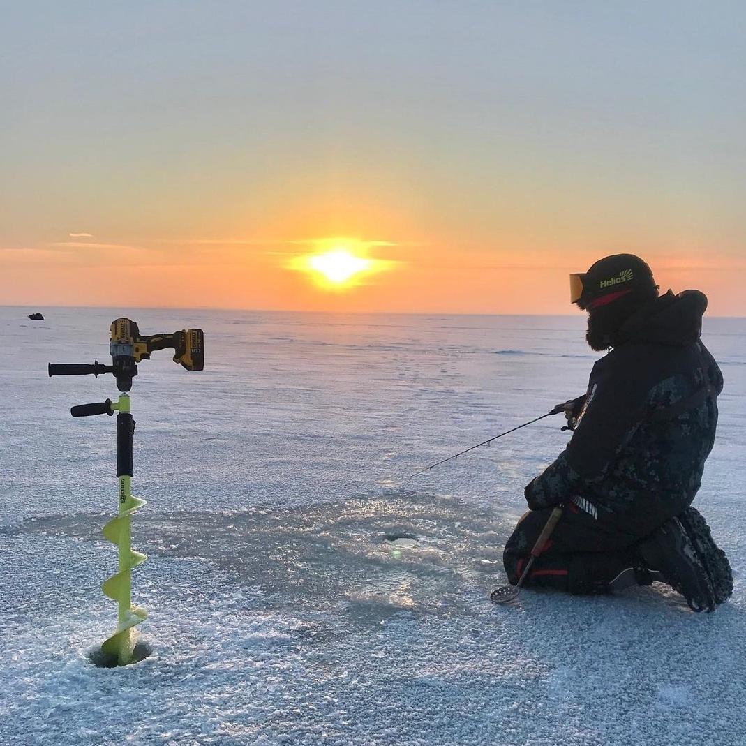 шуруповёрт на зимней рыбалке